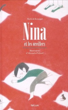 Nina et les oreillers