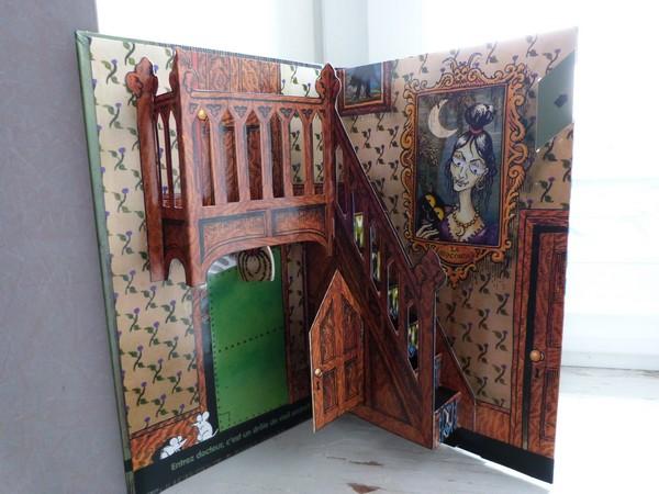 pop up la maison hant e jan pienkowski le carnet de lectures de solenn. Black Bedroom Furniture Sets. Home Design Ideas